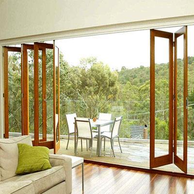این مدل از درب و پنجرههای دوجداره مانند دستگاه آکاردئون باز و بسته میشوند.
