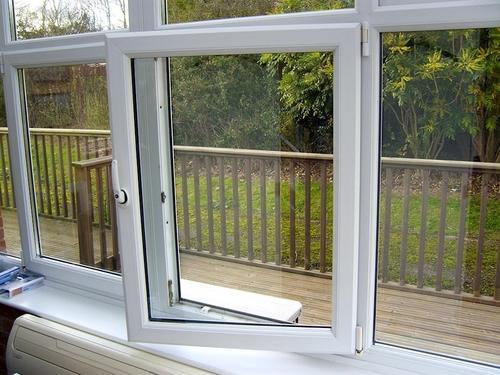 لولای استفاده شده در این دربها و پنجرهها قابلیت و امکان تنظیم را دارد.