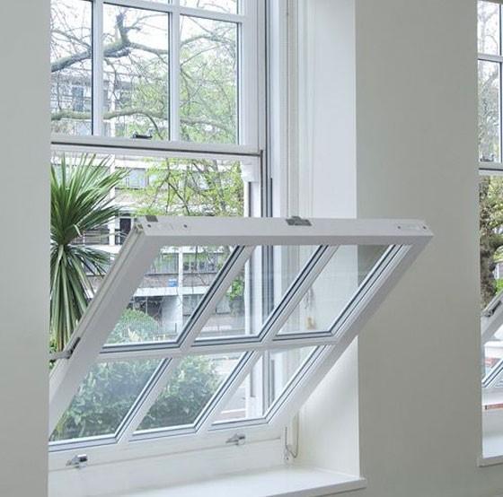 پنجرههای شیب دار را بسیاری از ما دیده و یا از آن استفاده کرده ایم. پنجرههای UPVC لولایی شیب دار بر اساس نحوه باز شدن به این نام شهرت پیدا کرده اند.