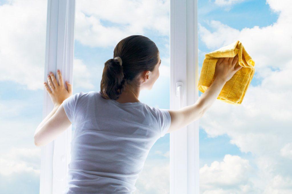 روش تمیز کردن درب و پنجره UPVC