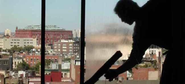 در نگهداری درب و پنجره دوجداره UPVC از آب و صابون کمک بگیرید